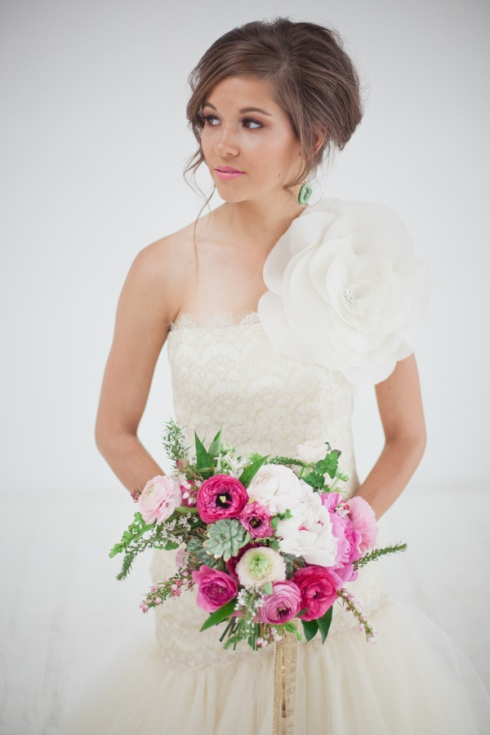 emerald-and-pink-wedding-ideas-32